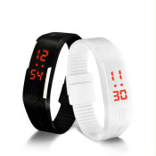 Цифрови часовници за нея